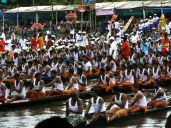 Full-on snake boat races Kerala