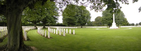 over 4000 graves here